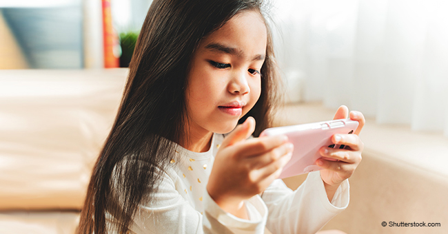 Por qué no debes usar tu teléfono para entretener a tu hijo cuando come o en caso de una rabieta