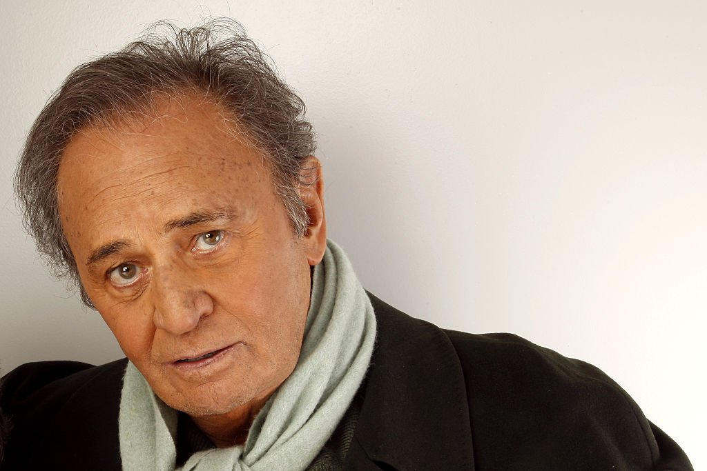 "Roger Hanin dans l'émission ""Les Grands du Rire"" en 2008. l Source : Getty Images"