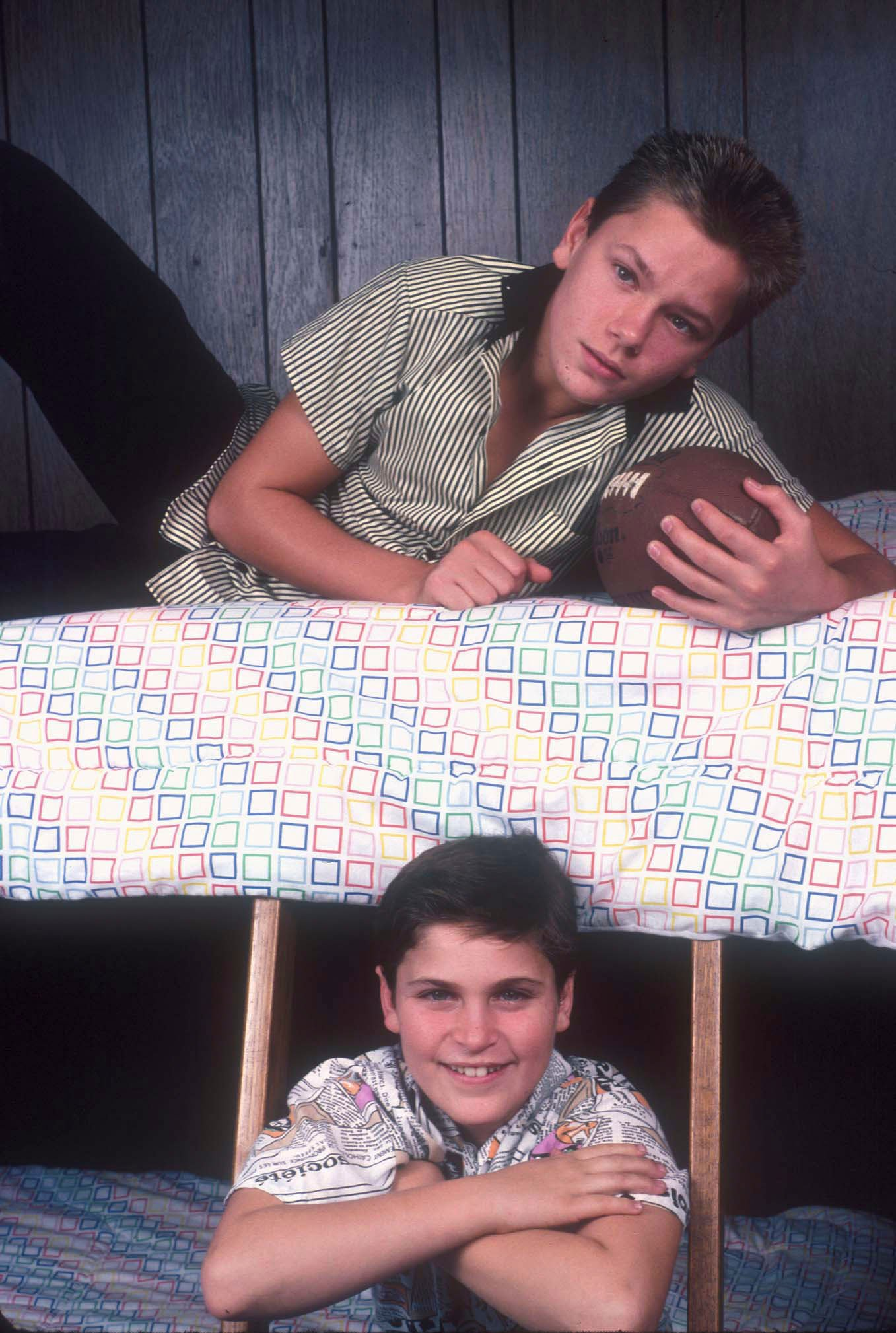 Joaquin and River Phoenix in Los Angeles, California, circa 1985 | Photo: Getty Images