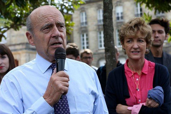 La photo d'Alain Juppé avec son épouse Isabelle le 25 septembre 2016, à Bordeaux, en France | Source: Getty Images / Global Ukraine