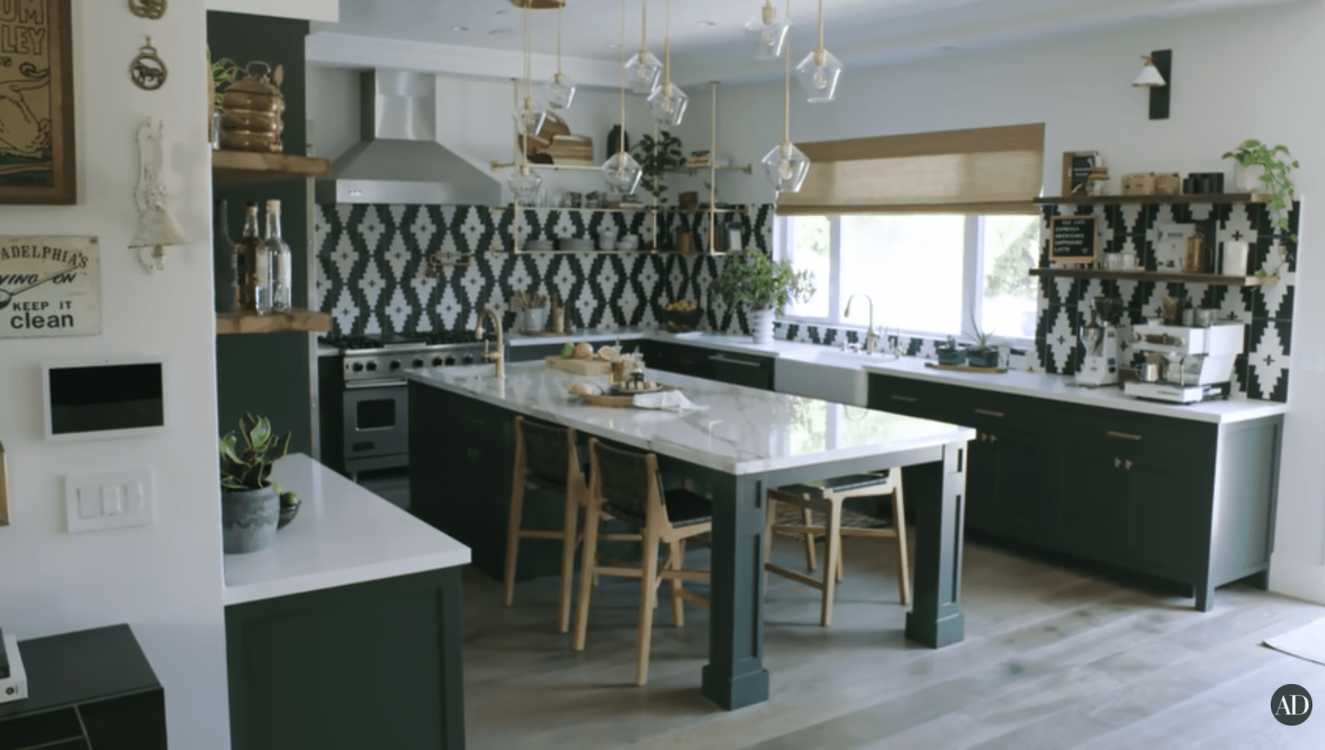 Daveed Diggs & Emmy Raver-Lampman's kitchen.   Source: Youtube/Architectural Digest