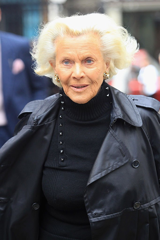 Honor Blackman attends the funeral of Christopher Cazenove held at St Paul's Church in Covent Garden on April 16, 2010 | Photo: Getty Images