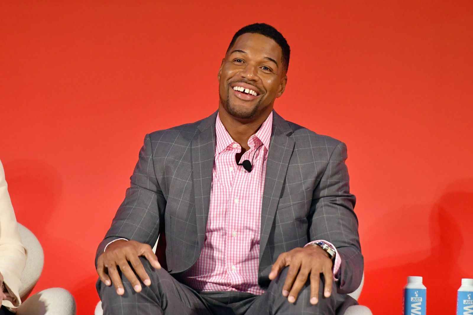 Legendary Super Bowl Champion & Emmy-nominated Fox NFL Sunday Analyst Michael Strahan speaks onstage at the Fox NFL Town Hall panel at The Town Hall during the  2016 Advertising Week in New York on September 28, 2016 in New York City. | Photo: Getty Images