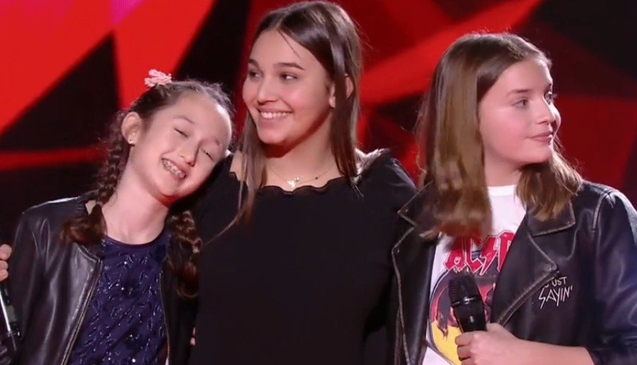 Eva, Manon et Valéria après leur performance. l Source : TF1 Replay