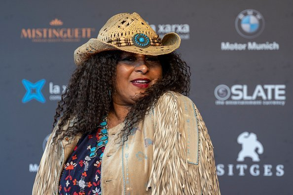 Pam Grier poses on the red carpet during the Sitges Film Festival 2018 at the Hotel Melia in Sitges, Spain. | Photo: Getty Images