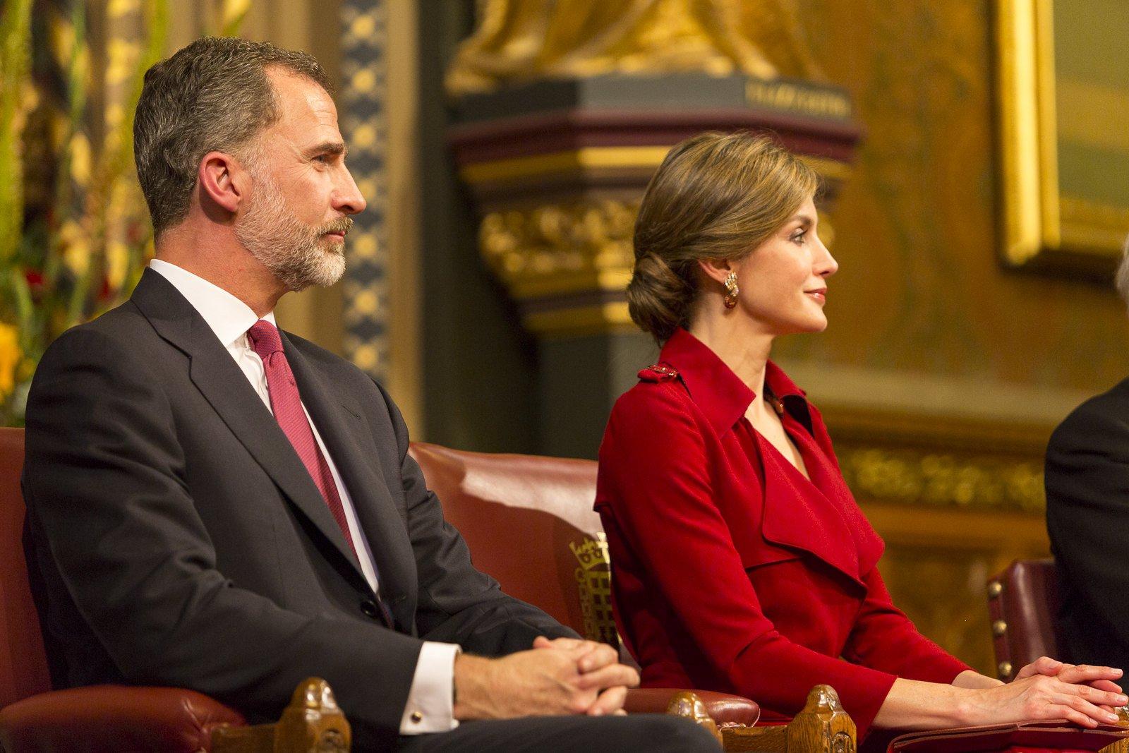 El rey Felipe VI y la reina Letizia de España en el discurso del rey al Parlamento en la Cámara de los Lores.   Foto: Flickr