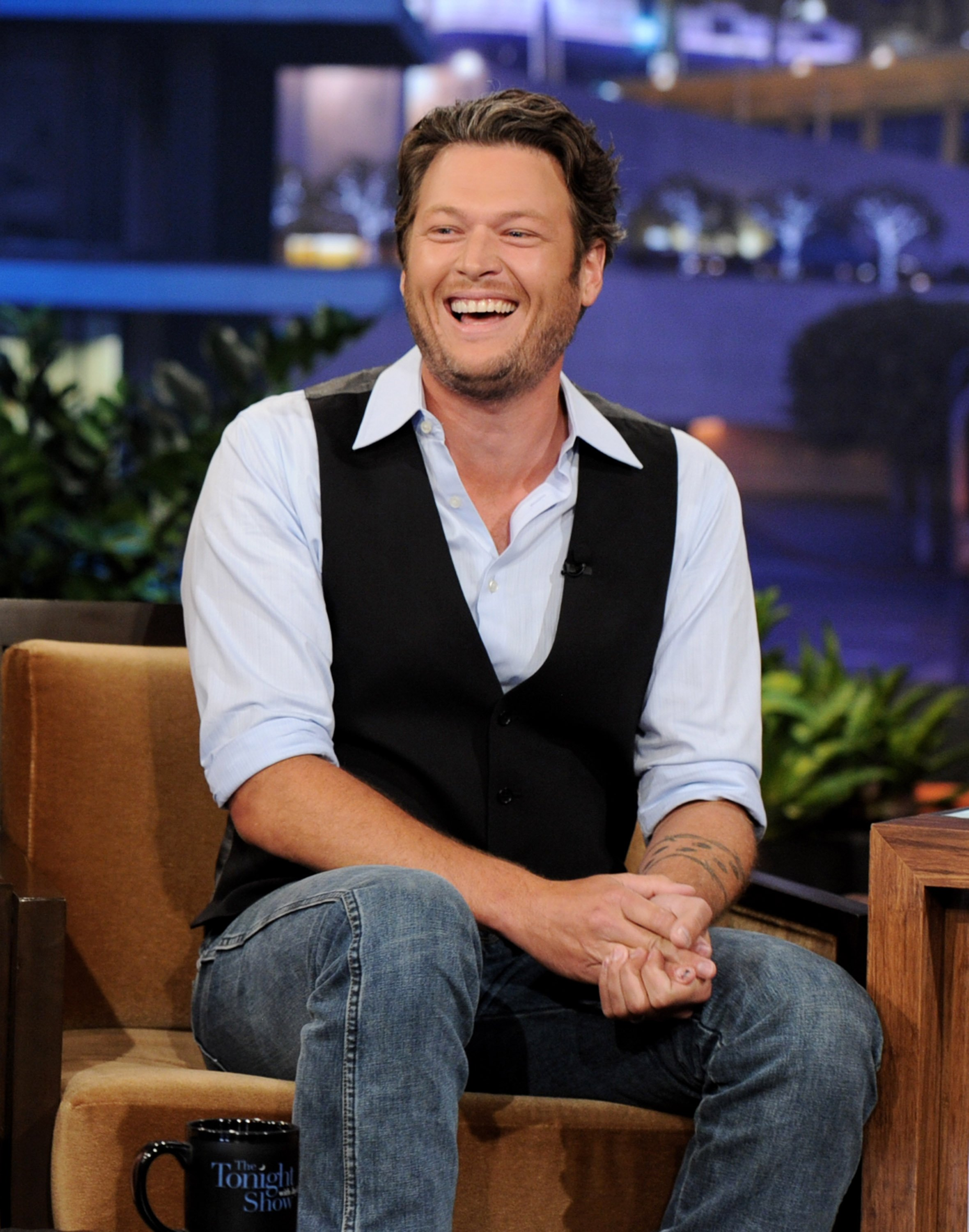Blake Shelton appears on the Tonight Show with Jay Leno at NBC Studios on June 15, 2011, in Burbank, California. | Source: Getty Images.