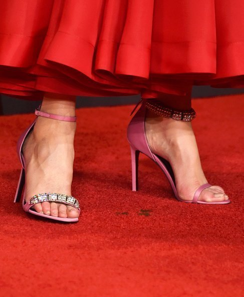 Nicole Kidman's shoes at the 69th annual Primetime Emmy Awards on September 17, 2017 in Los Angeles | Source: Getty images