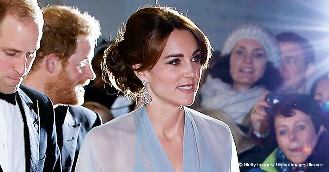 Kate Middleton a une fois porté une robe transparente, sans soutien-gorge, et c'est l'une de ses tenues les plus audacieuses à ce jour