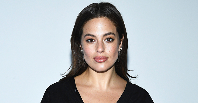 Ashley Graham Flaunts Baby Bump after Being Praised for Showing Pregnancy Stretch Marks (Video)