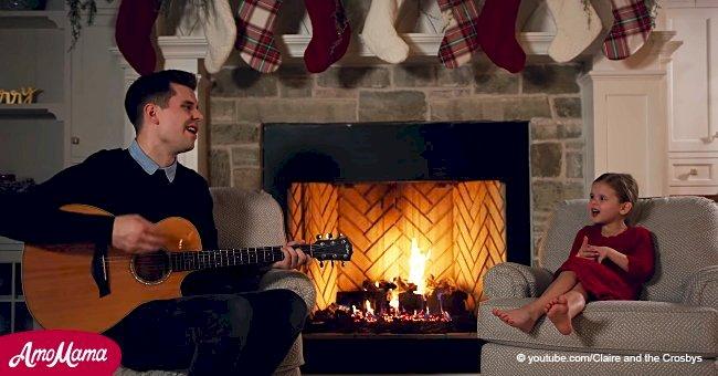 Le duo père-fille chante un classique de Noël, mais après que maman les ait rejoint, cela devient une pure magie