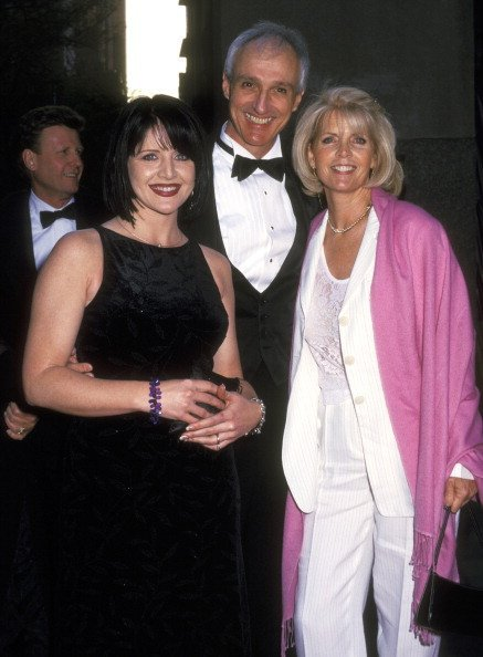 Tina Yothers, Michael Gross, and Actress Meredith Baxter at the NBC's 75th Anniversary Special on May 5, 2002 | Photo: Getty Images