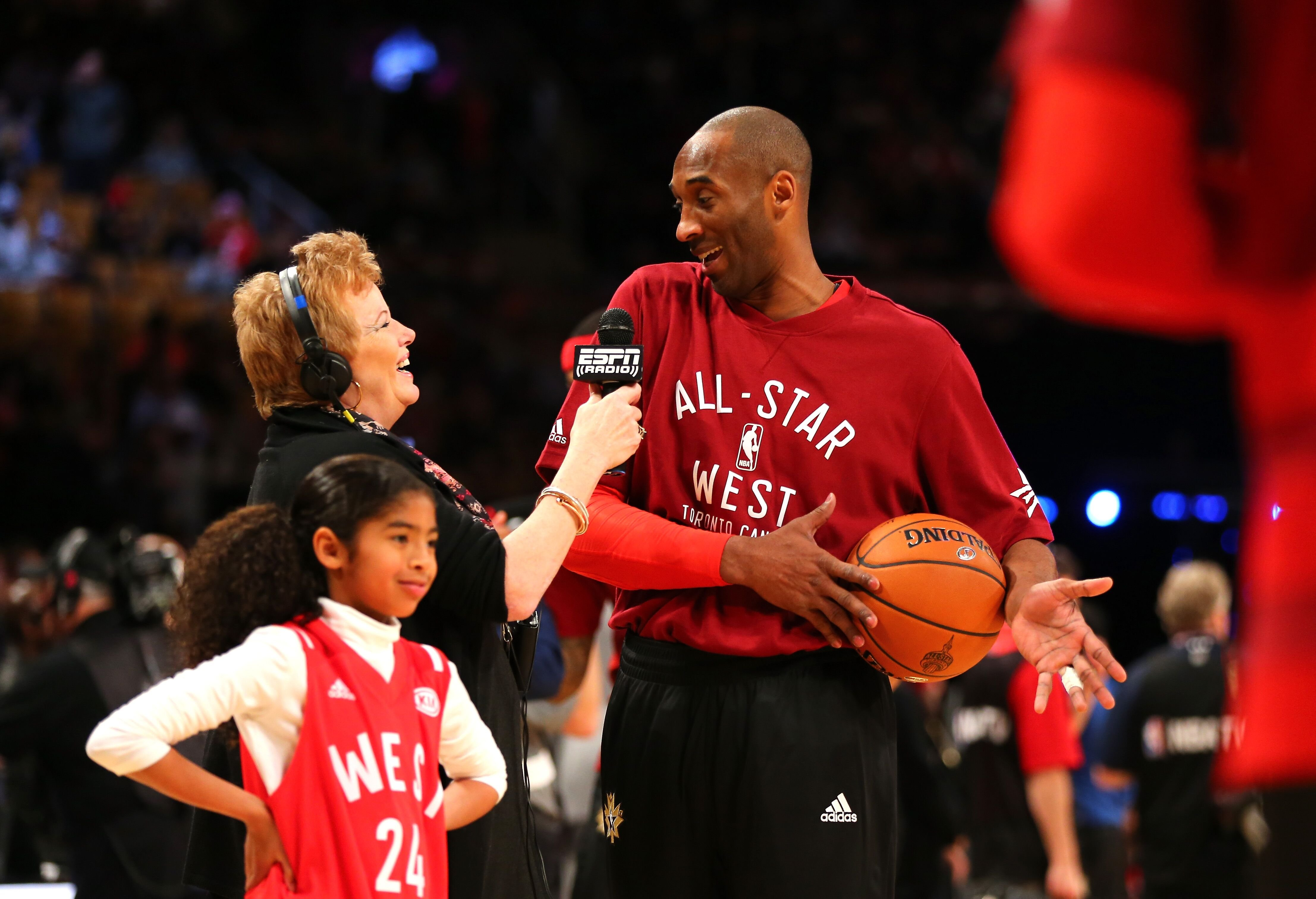 : Kobe Bryant talks to the media during the West All-Stars practice alongside his daughter, Gianna/ Source: Getty Image