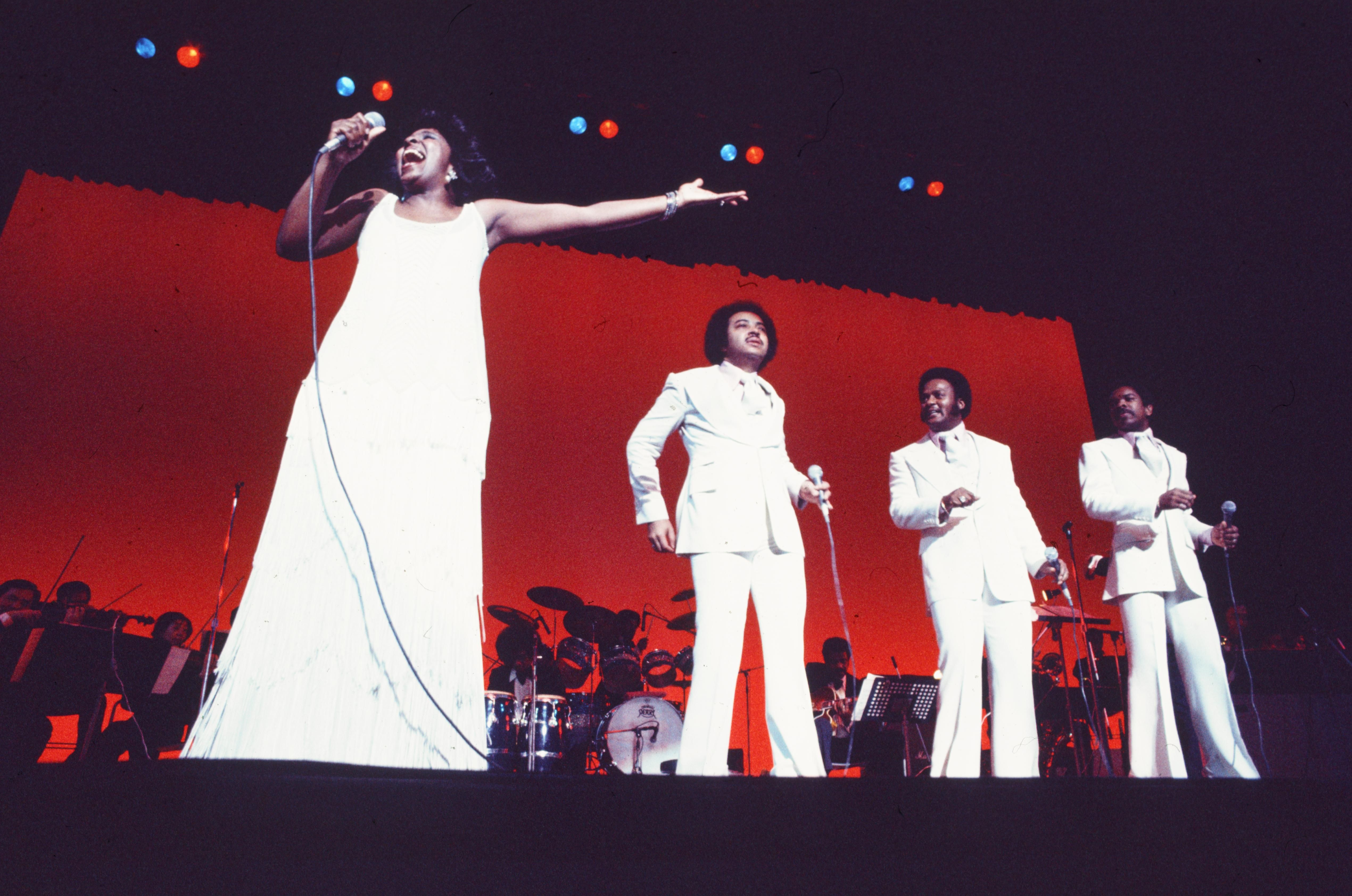 Gladys Knight on stage with the Pips in the 70s/ Source: Getty Images