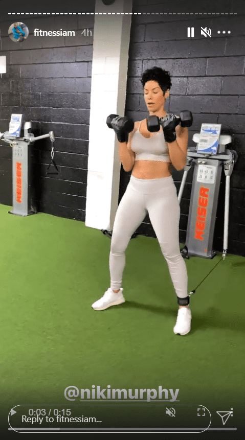 Screenshot of IG Story showing Nicole Murphy working out | Source: Instagram/fitnessiam