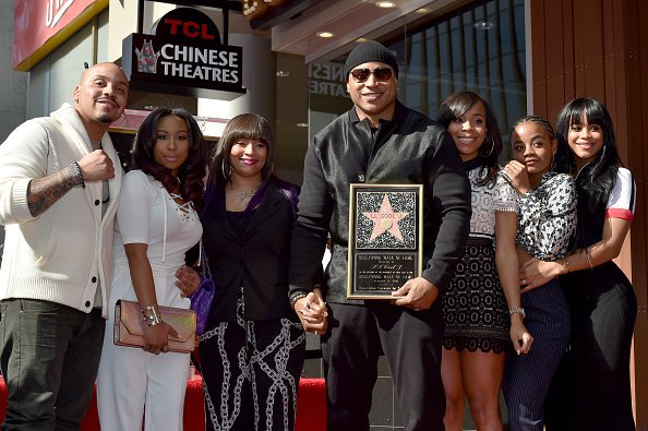 LL Cool J with his family on January 21, 2016 in Hollywood, California. | Photo: Getty Images