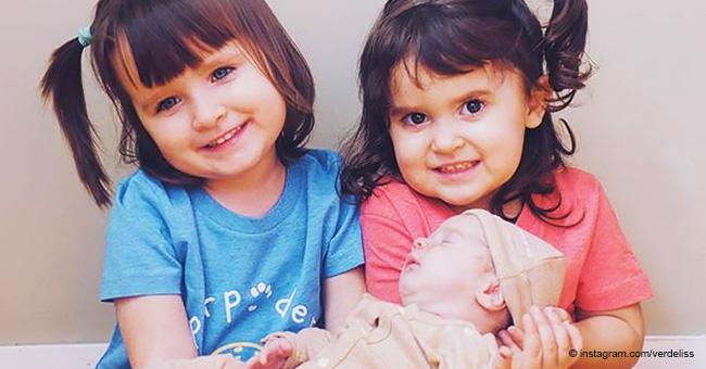 Verdeliss presenta su nueva hermanita a las mellizas Eider y Anne