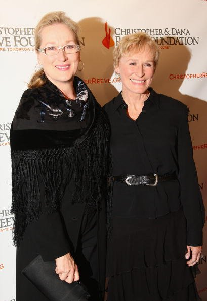 Meryl Streep and Glenn Close at Marriott Marquis on November 10, 2008 in New York City. | Photo: Getty Images
