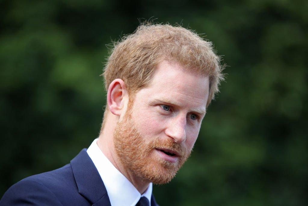 Le prince Harry, duc de Sussex, assiste à une garden party pour célébrer le 70e anniversaire du Commonwealth à Marlborough House | Photo : Getty Images