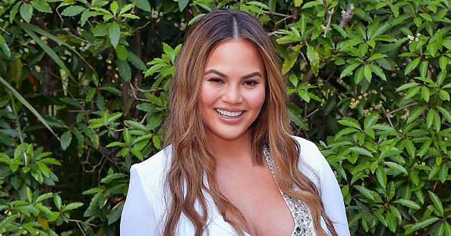 Chrissy Teigen Is All Smiles in Rare Family Photo with Her Mom Pepper, Daughter Luna and Big Sister Tina