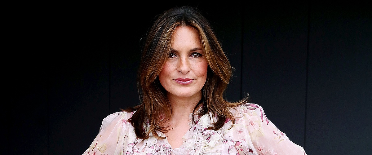 Mariska Hargitay Looks Chic in Classy Suit Holding a Necklace in Honor of 'Law & Order: SVU'