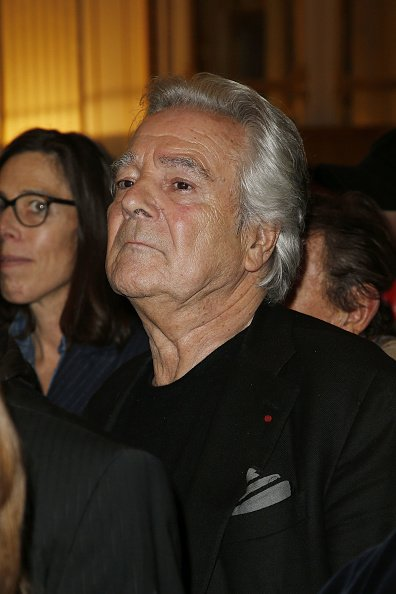 L'acteur Pierre Arditi assiste à la Cérémonie de l'acteur Hugues Quester, à Paris, France. | Photo : Getty Images
