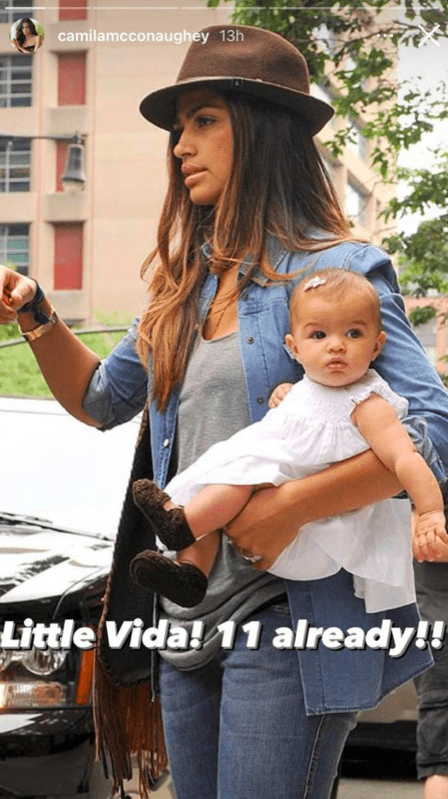 A throwback picture of Camila Alves carrying her daughter, Vida | Photo:Instagram/camilamcconaughey