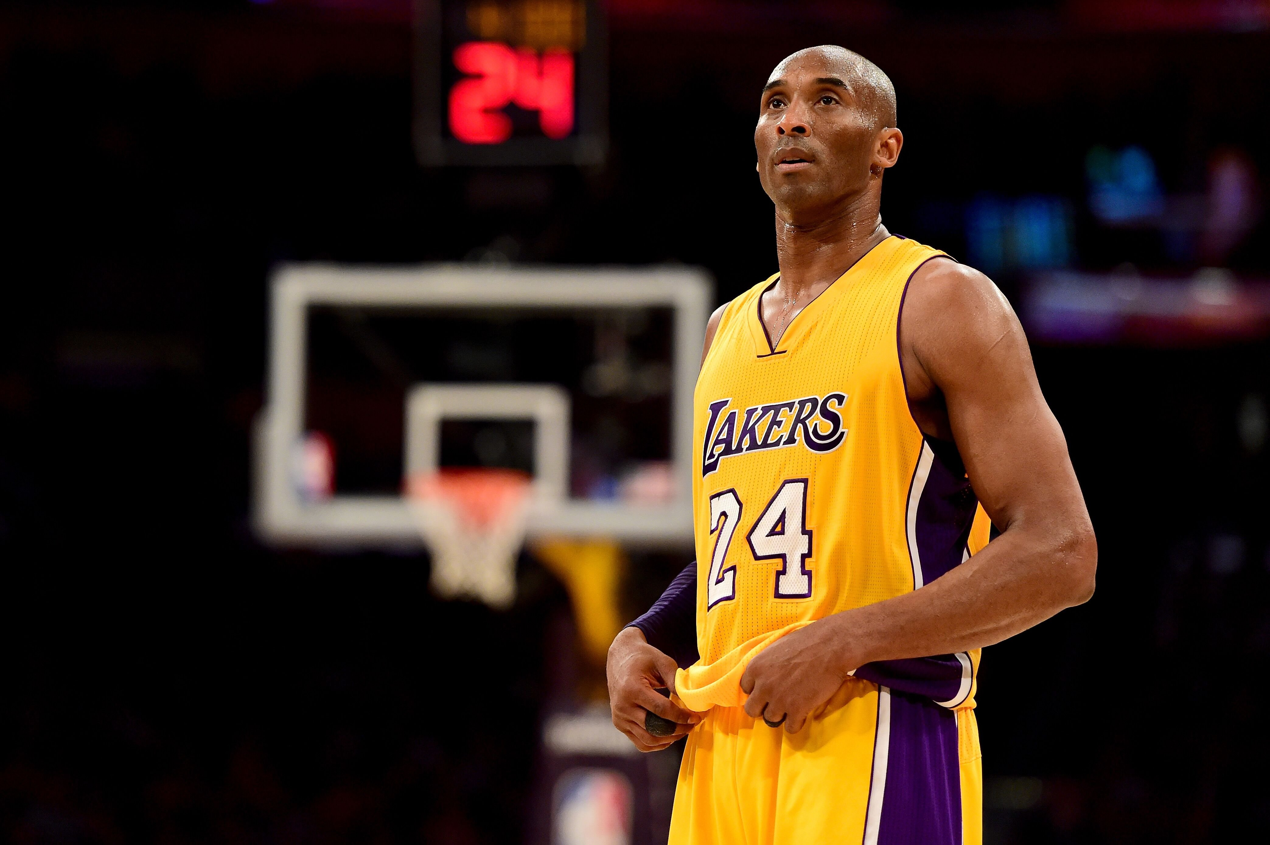 Kobe Bryant #24 of the Los Angeles Lakers reacts while taking on the Utah Jazz at Staples Center | Photo: Getty Images