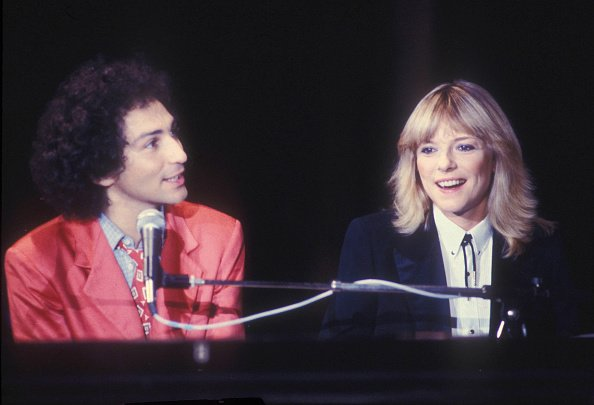 France Gall et Michel Berger chantent ensemble sur scène. | Photo : Getty Images