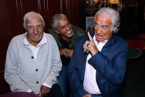Charles Gérard, Samy Naceri et Jean-Paul Belmondo aux Trophées du Bien Etre de Beautysane le 26 septembre 2016 à Paris. | Photo : Getty Images