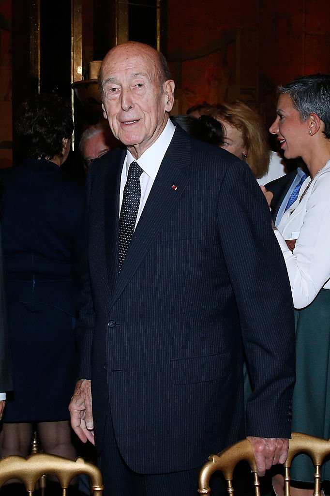 Valery Giscard d'Estaing assiste à la Fondation franco-américaine: dîner de gala au Palais de Chaillot le 24 octobre 2016 à Paris. | Photo : Getty Images