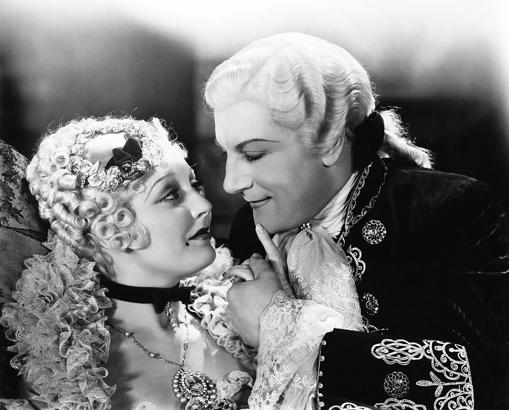 """Thelma Todd as Lady Pamela Rocburg holding hands with Dennis King as Diavolo in the 1933 film """"Fra Diavolo.""""   Photo: Getty Images"""