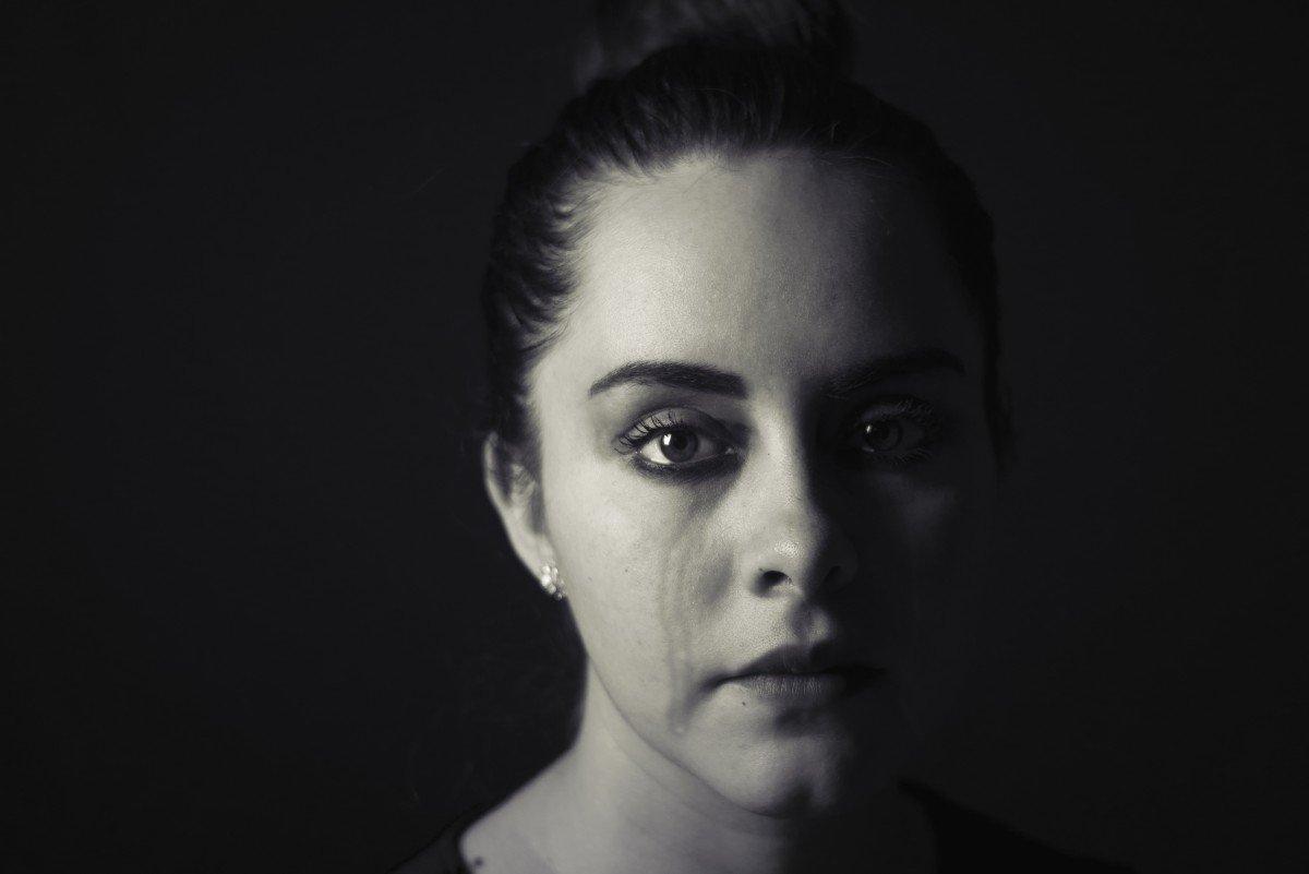 Mujer llorando.   Imagen: PxHere