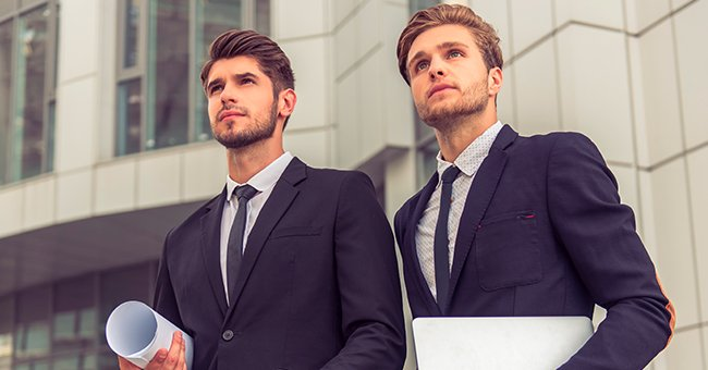 The two bankers discussed professional tips and tricks.   Photo: Shutterstock