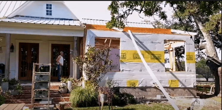 A glimpse of the Gaines' extension for their farmhouse, 2021. | Photo: YouTube/Magnolia Network