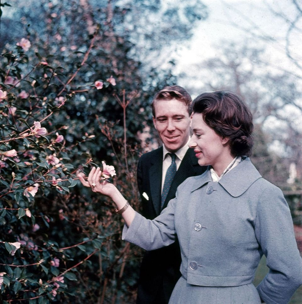 Princess Margaret and Antony Armstrong-Jones in the grounds of Royal Lodge after announcing their engagement. | Source: Getty Images