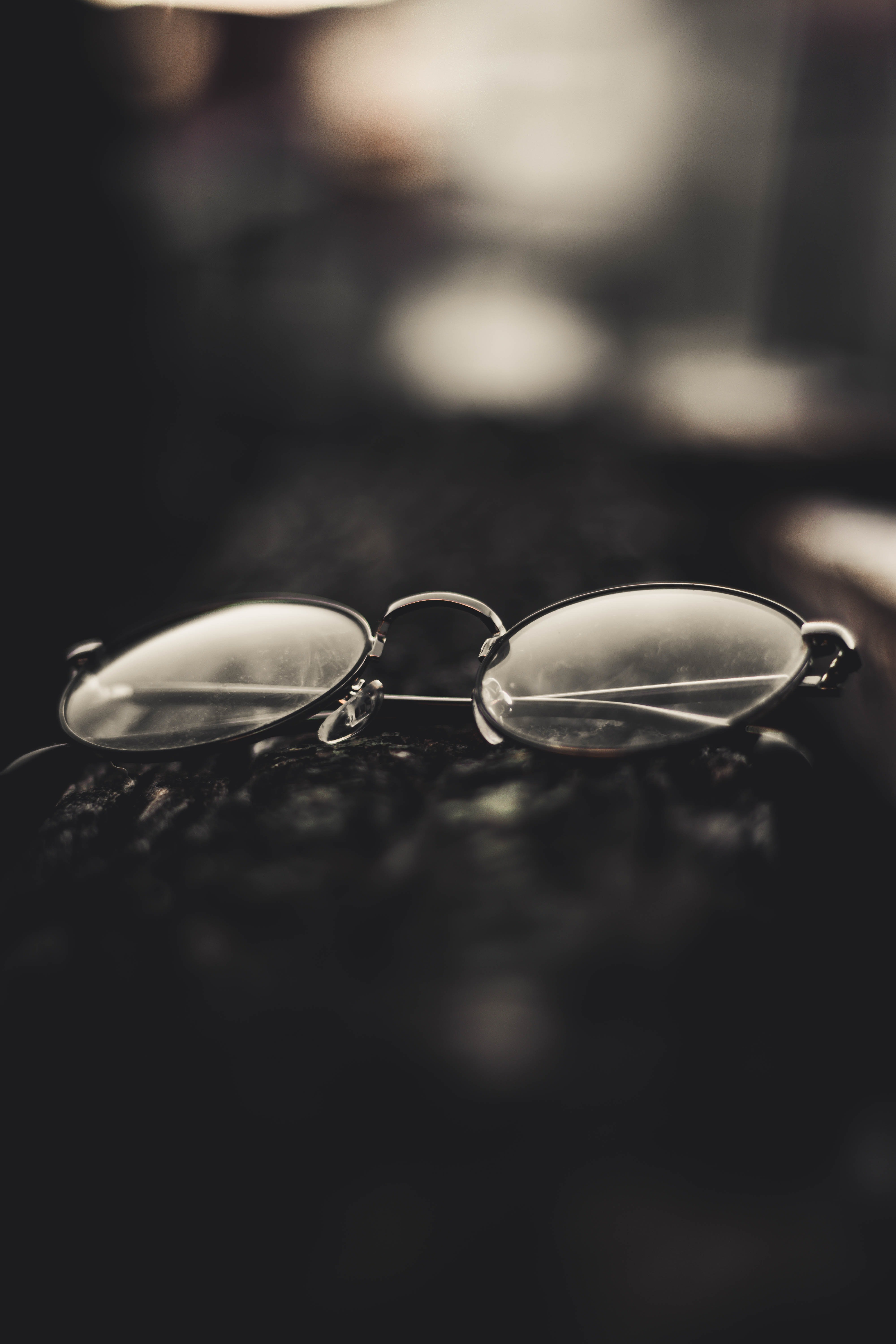 David didn't believe the waiter when he told him he couldn't see without glasses   Photo: Pexels