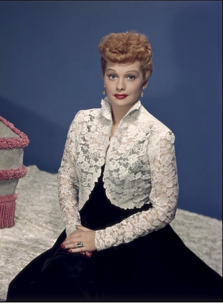 Lucille Ball in posing during a 1950s film | Source: Wikimedia Commons