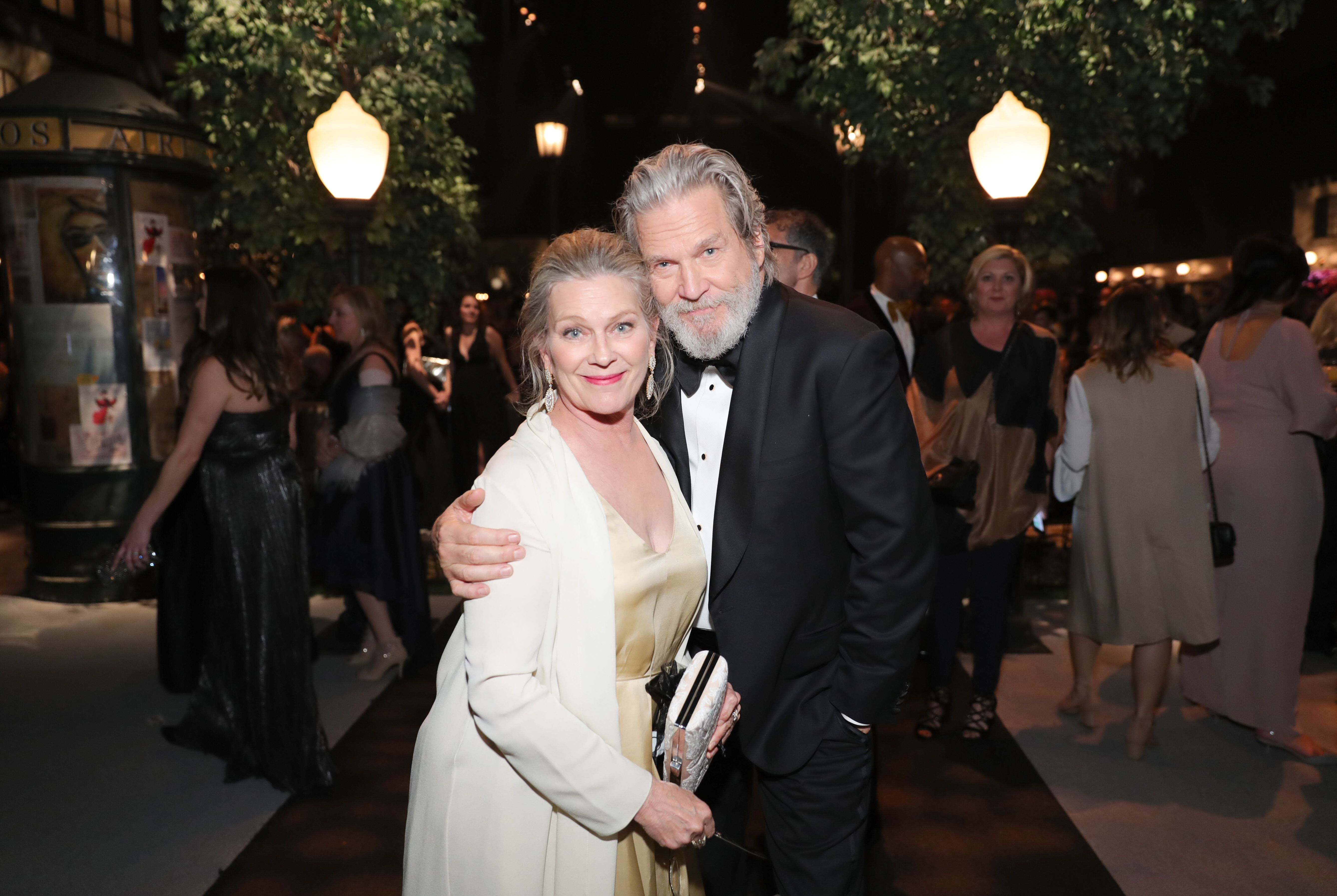 Susan Geston and Jeff Bridges attend People And EIF's Annual Screen Actors Guild Awards Gala on January 29, 2017. | Source: Getty Images