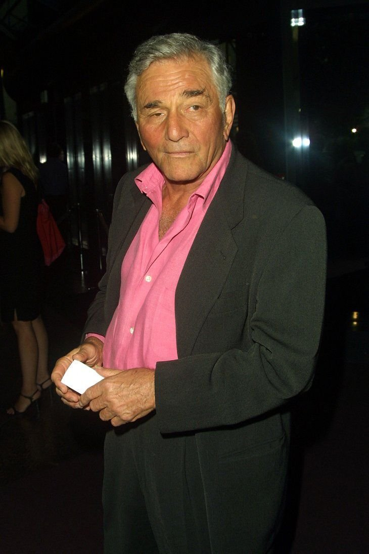 Award-winning actor Peter Falk attend a 2002 awards night in Los Angeles. | Photo: Shutterstock