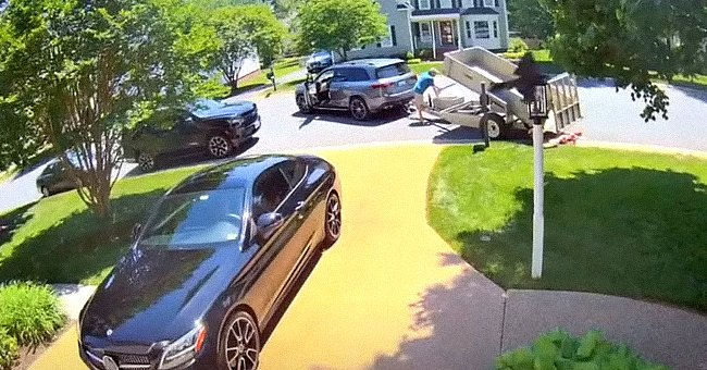 Avery Sanford's father dumping 80 000 pennies on her mother's lawn. | Photo: youtube.com/WtvrCBS6