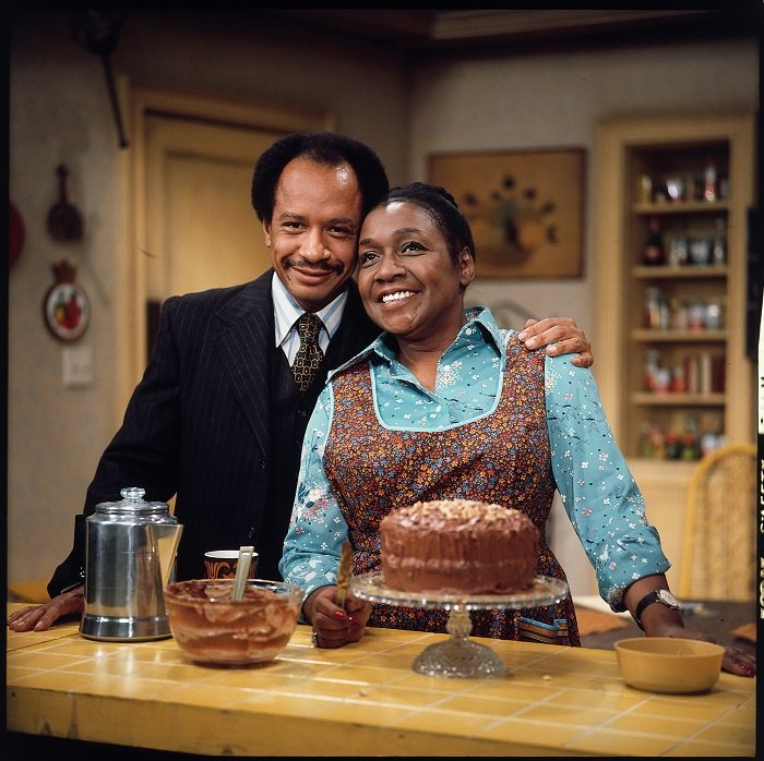 """Isabel Sanford as Louise Jefferson with her on-air husband, Sherman Hemsley as George Jefferson, from the CBS situation comedy, """"The Jeffersons."""" I Photo: Getty Images"""