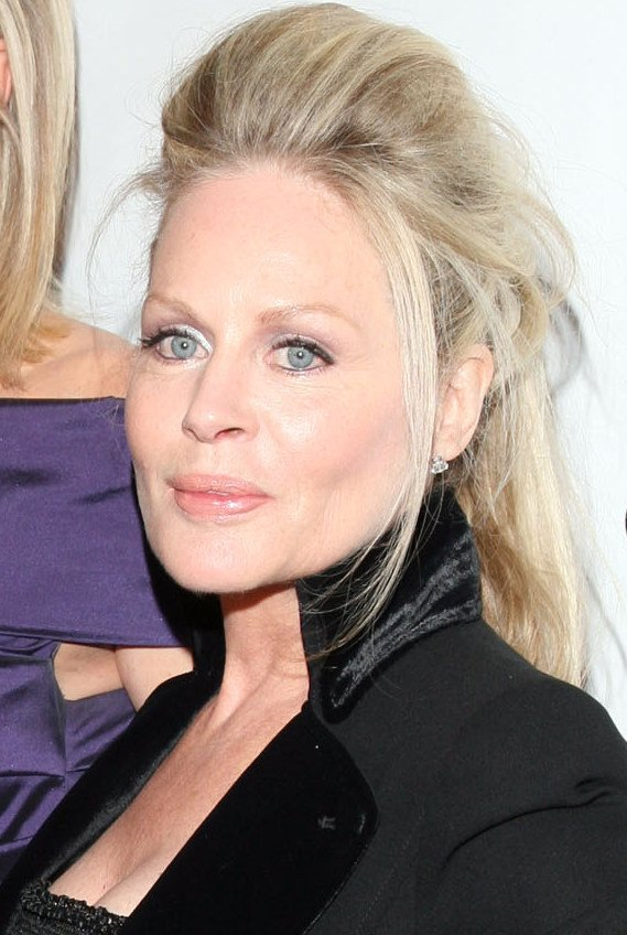 Actress Beverly D'Angelo at the 2012 Drama League Benefit Gala. | Photo: Wikimedia Commons Images