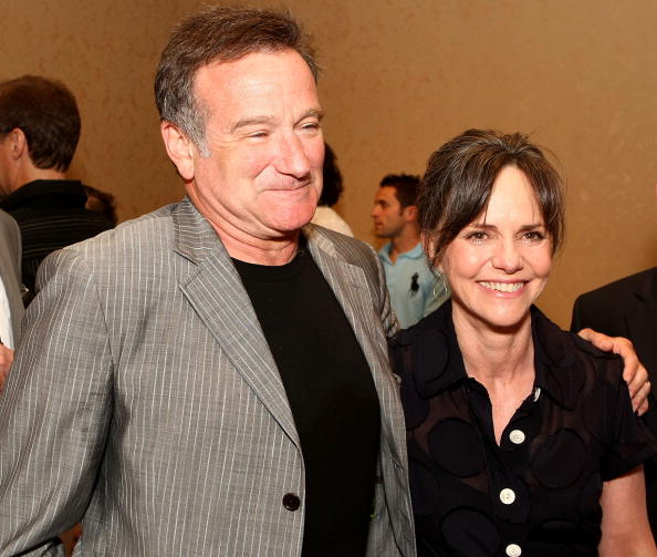 Robin Williams and Sally Field / Photo: Getty Images