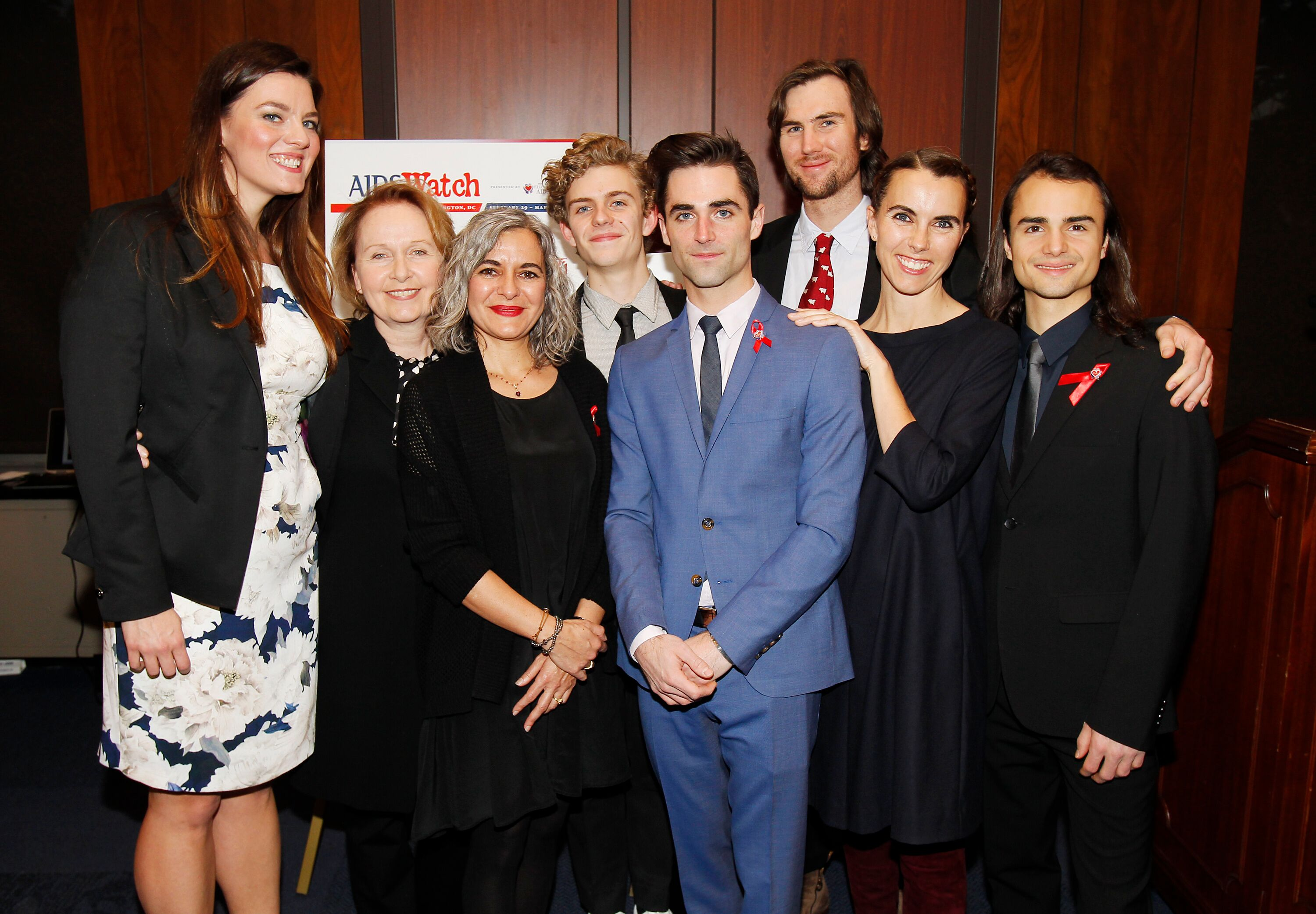 Elizabeth Taylor's family members attend the AIDSWatch 2016 Positive Leadership Award Reception | Getty Images