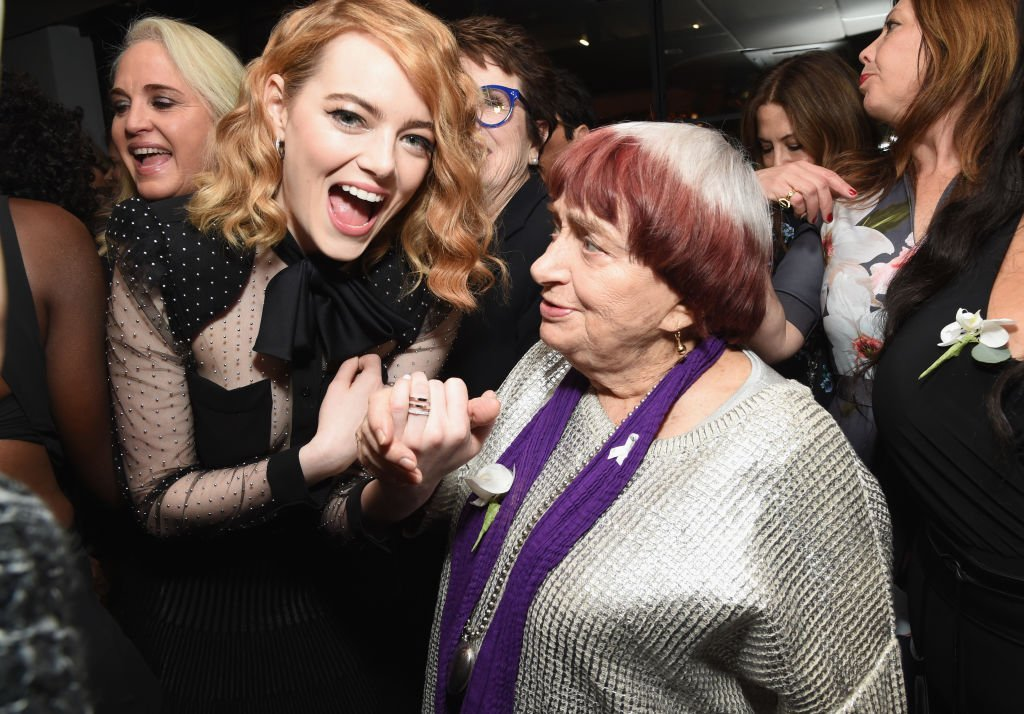 Emma Stone and Agnes Varda on March 2, 2018 in Beverly Hills, California | Source: Getty Images