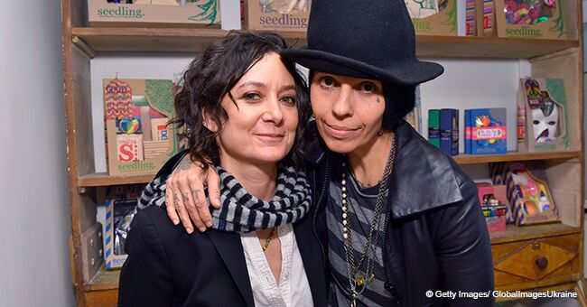 Glimpse inside Sara Gilbert's Relationship with Her Wife Linda Perry and Their Three Kids