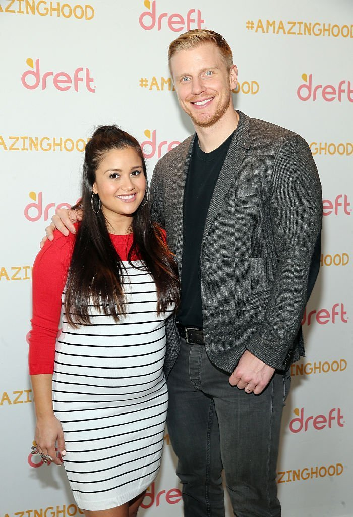 Catherine Lowe and Sean Lowe pose for a photo at the #Amazinghood Baby Shower at Gansevoort Park Avenue | Photo: Getty Images