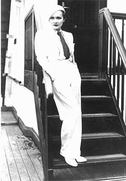 Marlene Dietrich, Mai 1933 in Paris | Quelle: Wikimedia Commons