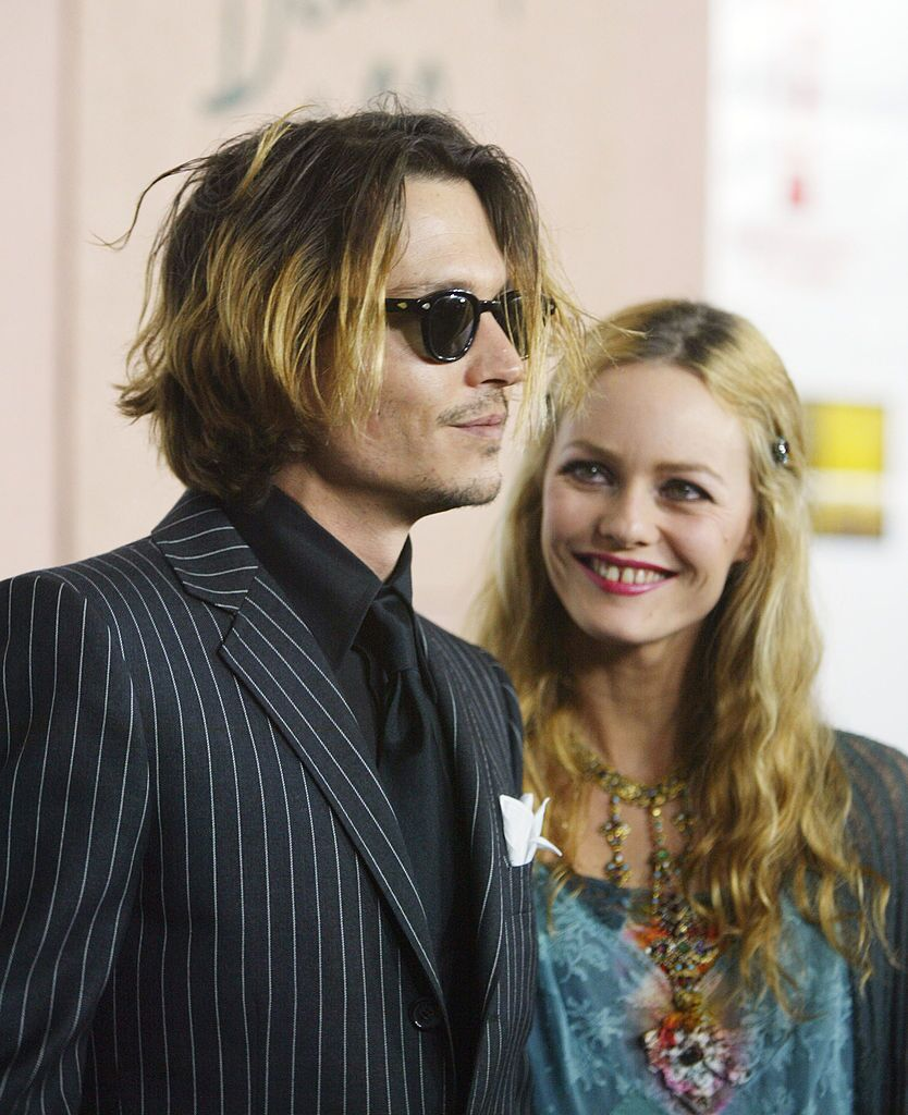 Johnny Depp and girlfriend Vanessa Paradis attend the 9th Annual Critics' Choice Awards. | Source: Getty Images